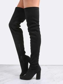 Чёрные модные сапоги