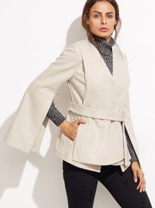 Бежевый модный пиджак с запахом