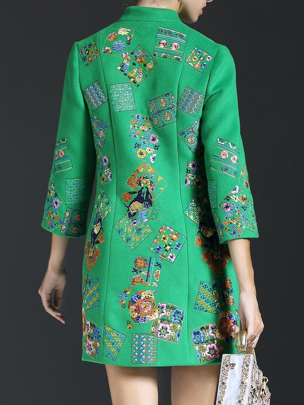 Зеленое пальто с вышивкой 10