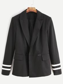 Blazer con rayas en manga y bolsillo - negro