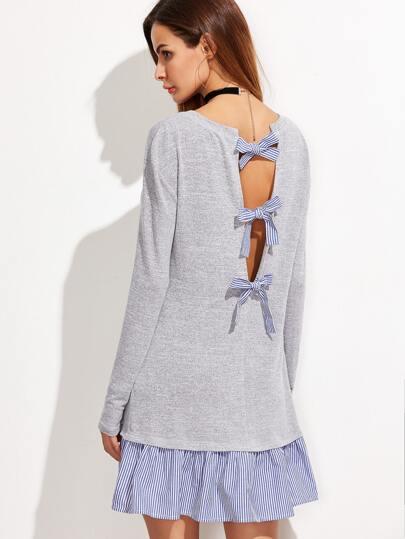 Vestido con volantes a rayas y espalda descubierta con lazos - gris