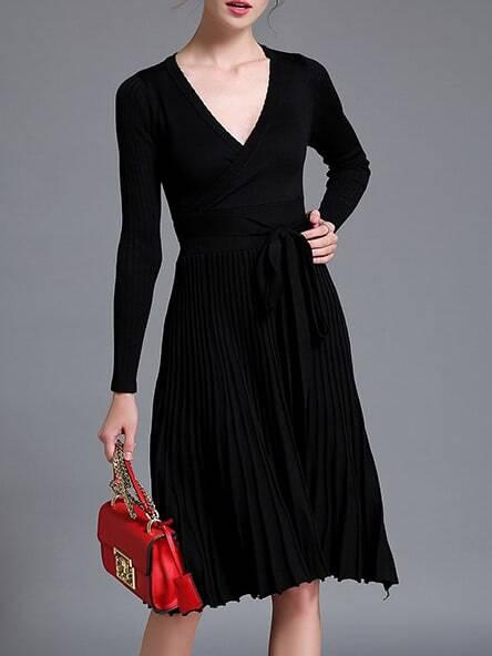 Фото Black V Neck Knit Pleated Tie-Waist Dress. Купить с доставкой