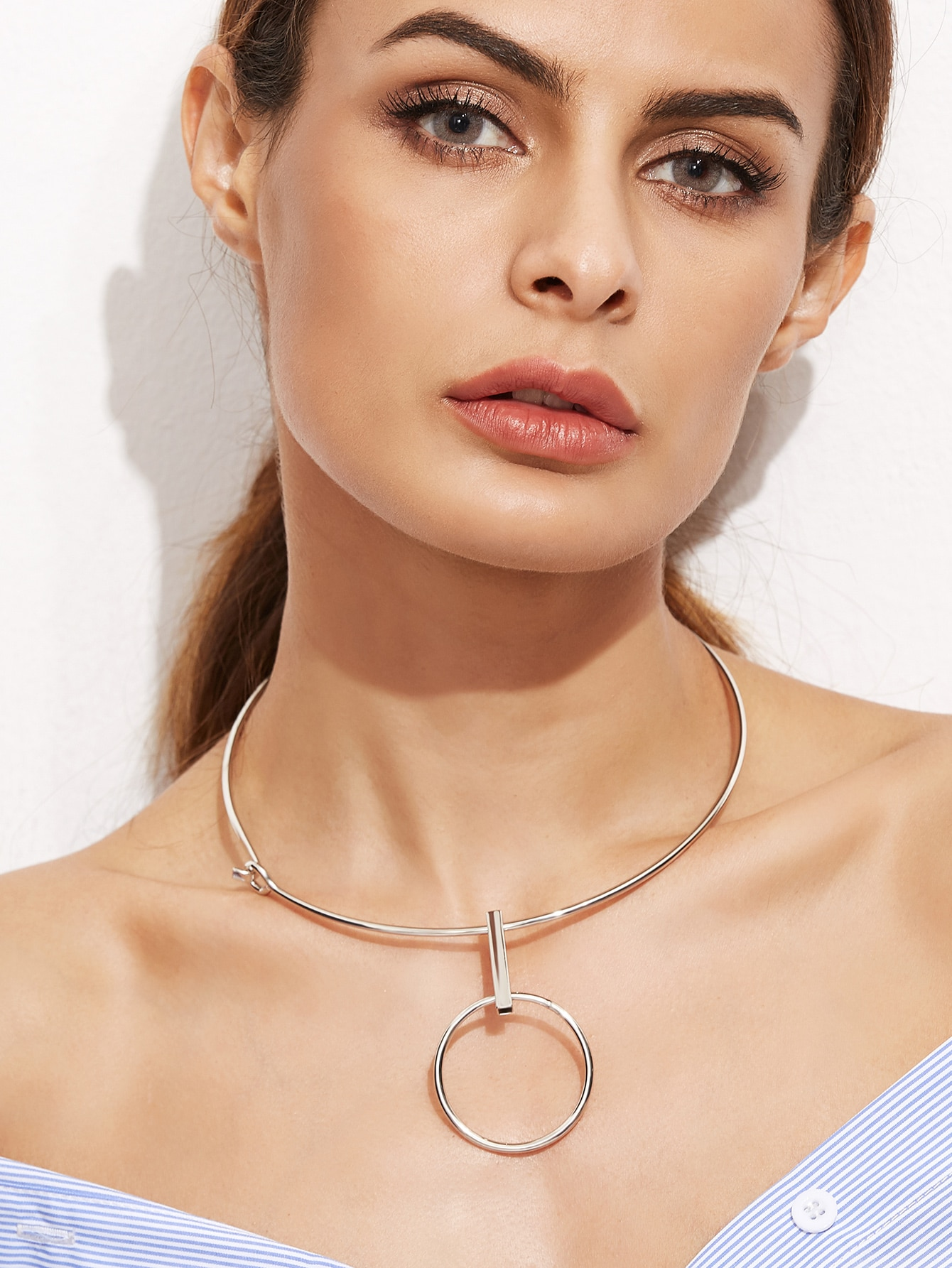 Silver Plated Metal Circle Hollow Out Choker NecklaceSilver Plated Metal Circle Hollow Out Choker Necklace<br><br>color: Silver<br>size: None