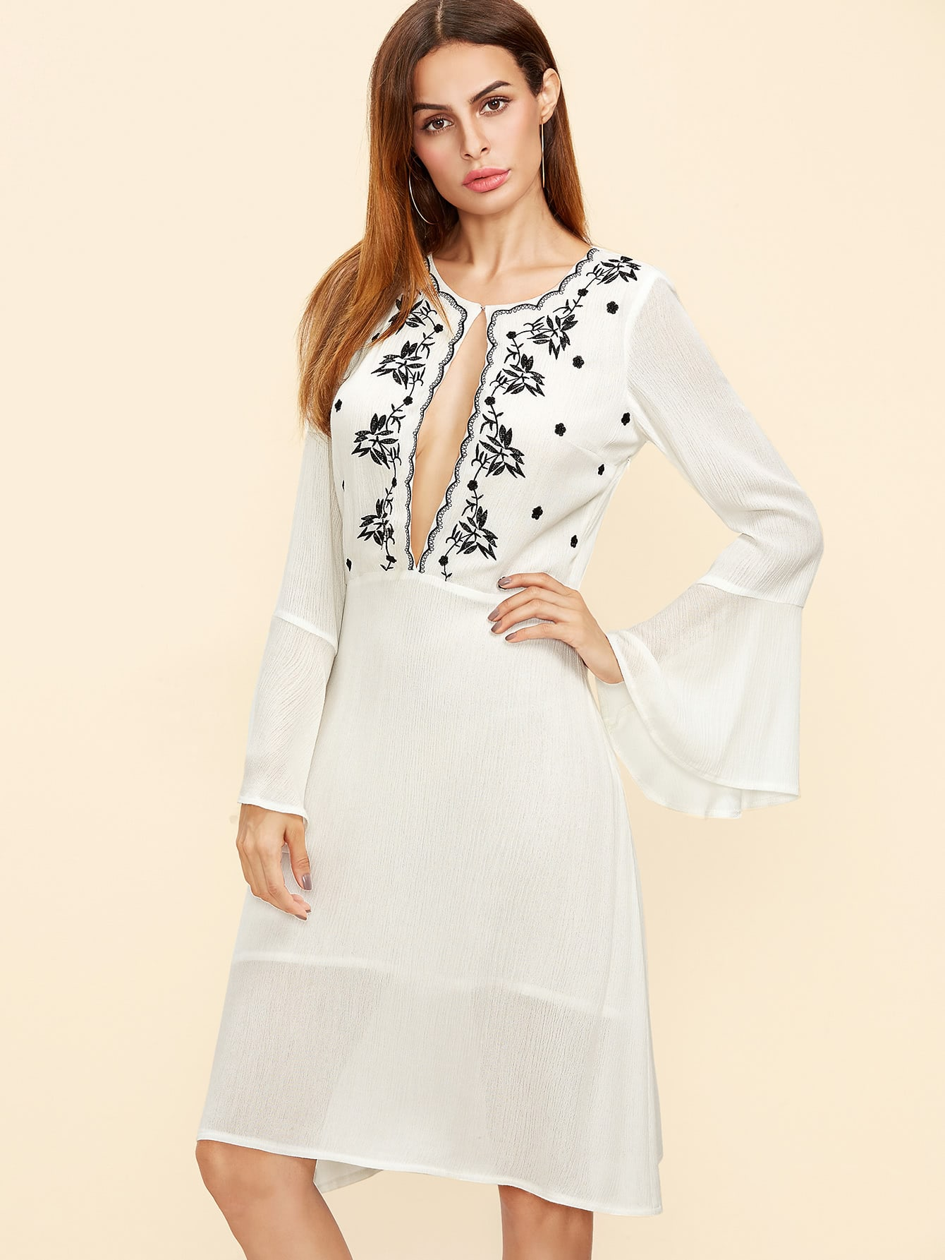 Фото White Open Front Bell Sleeve Embroidered Dress. Купить с доставкой