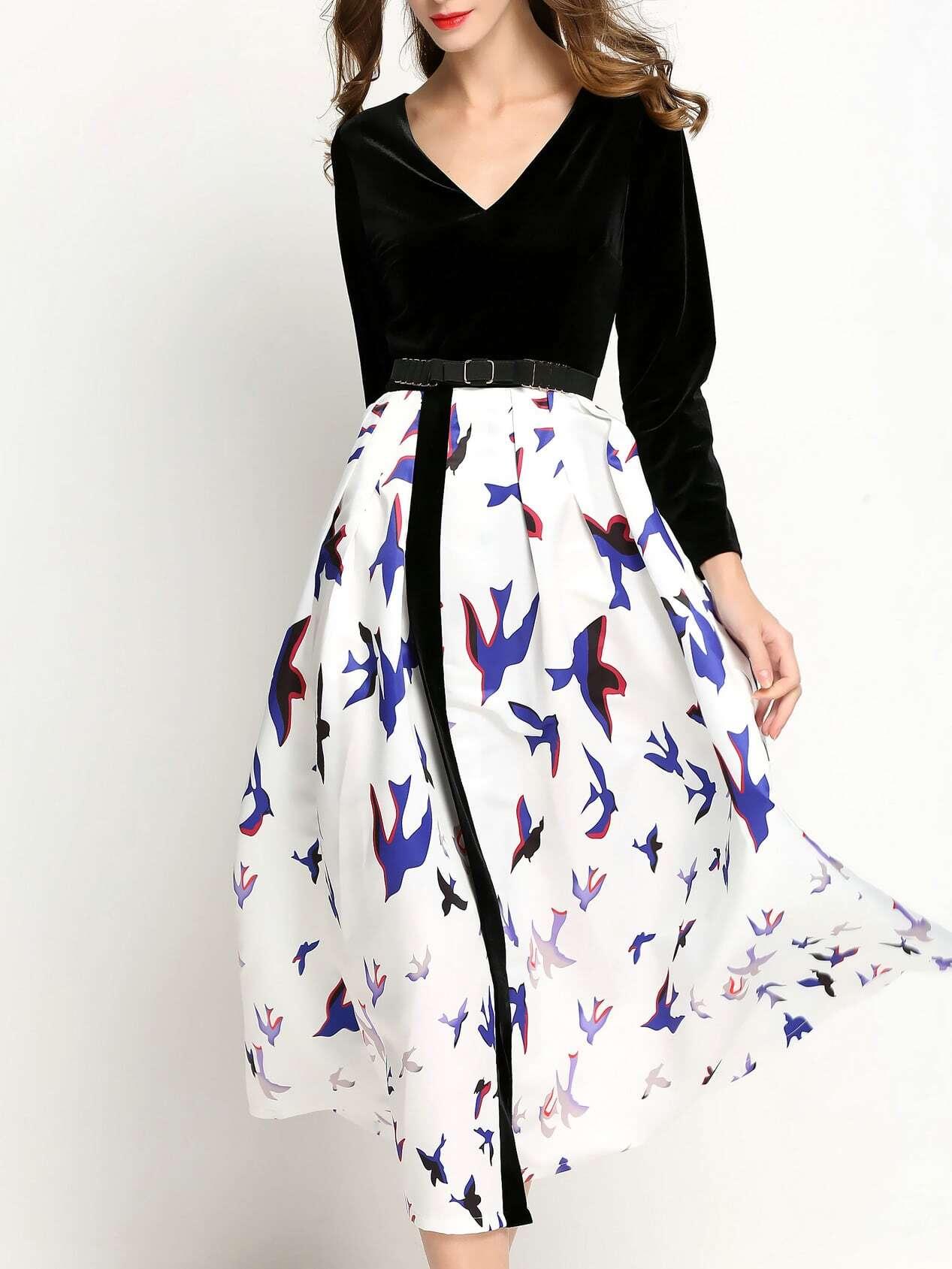Фото Black V Neck Belted Birds Print Dress. Купить с доставкой