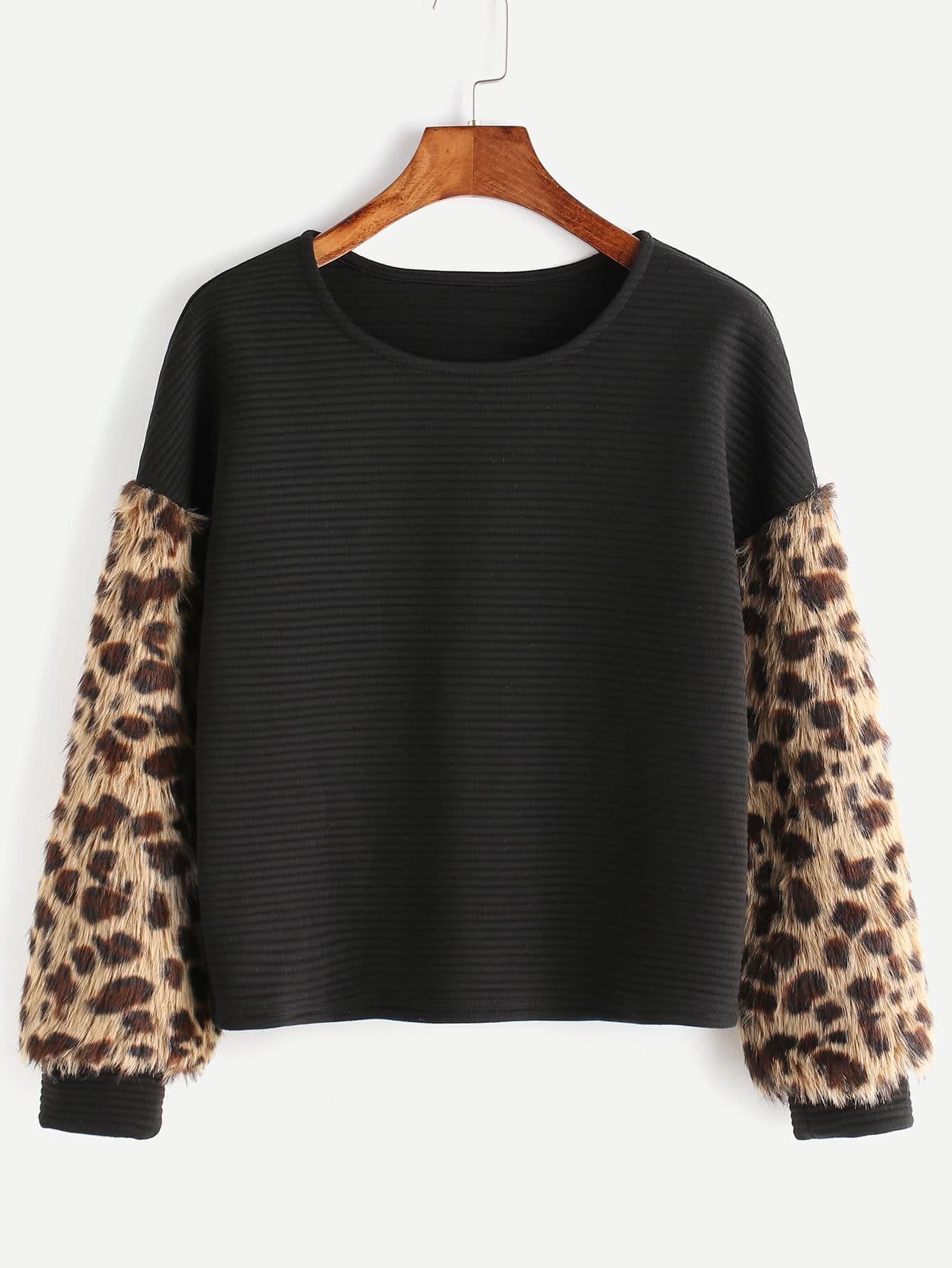 Black Ribbed Sweatshirt With Leopard Faux Fur Sleeve sweatshirt161128701