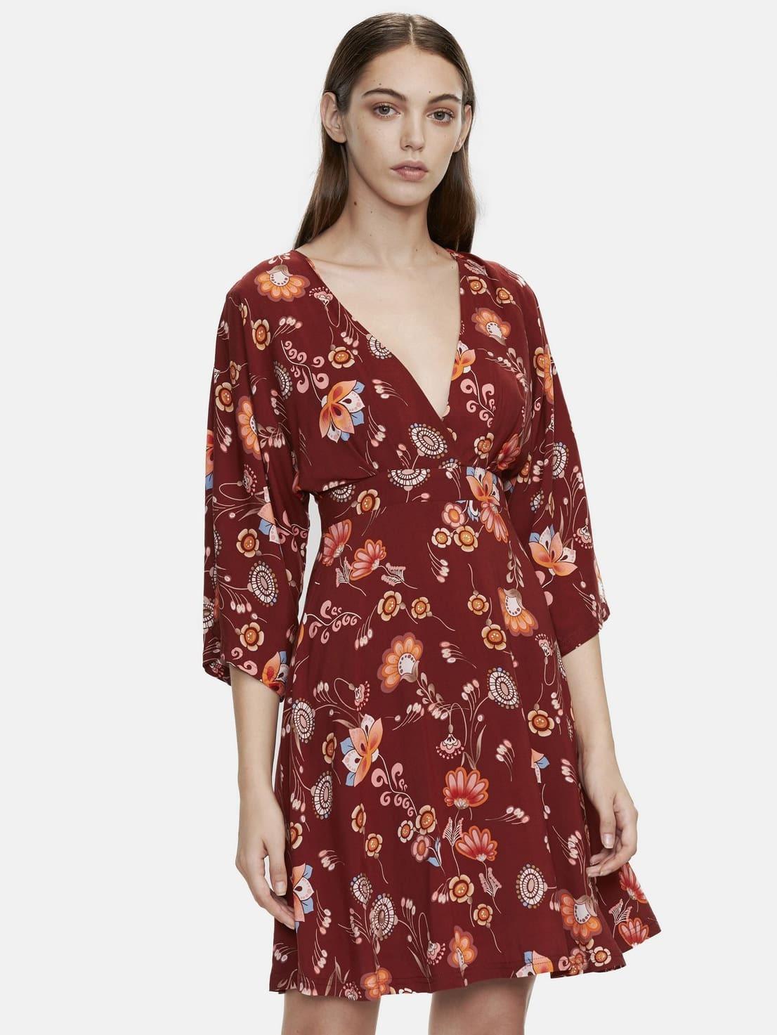Фото Burgundy V Cut Out Back Zipper Detail Dress. Купить с доставкой