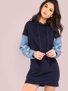 Vestido extragrande con capucha y manga de denim - azul marino