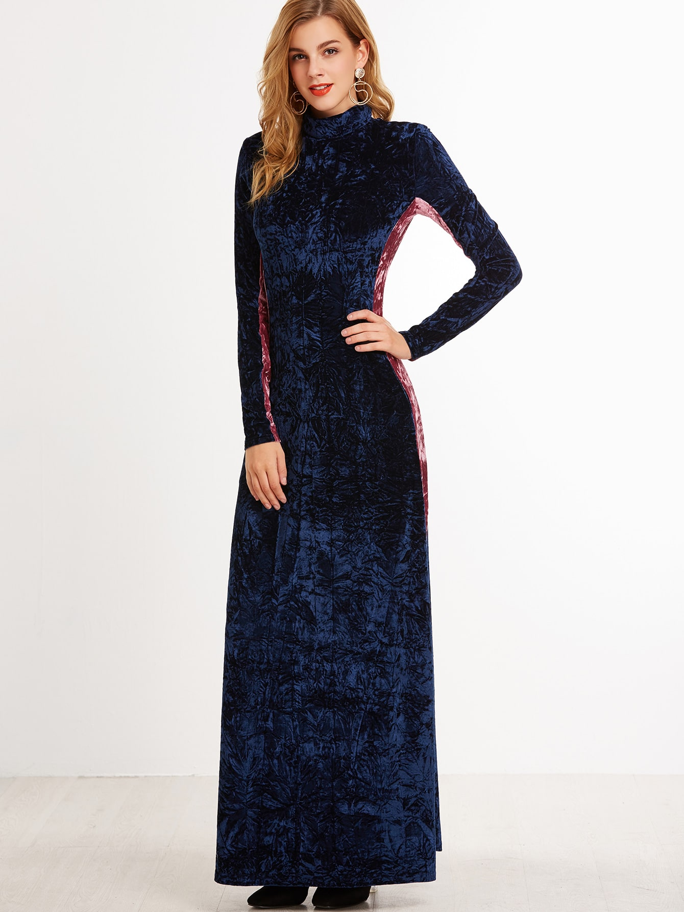 Navy Contrast Panel Mock Neck Crushed Velvet Maxi DressNavy Contrast Panel Mock Neck Crushed Velvet Maxi Dress<br><br>color: Navy<br>size: XS