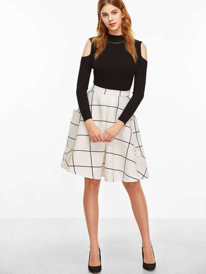 White Grid Pocket Side Flare Skirt