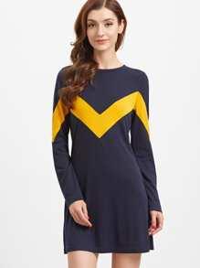 Vestido línea A con estampado de chevron - azul marino
