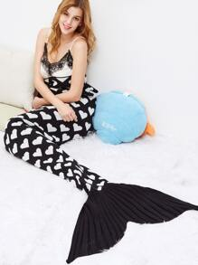 Black Contrast Heart Print Crochet Knitted Mermaid Blanket