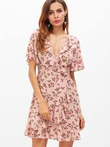 Vestido cruzado con estampado floral y volantes - rosa
