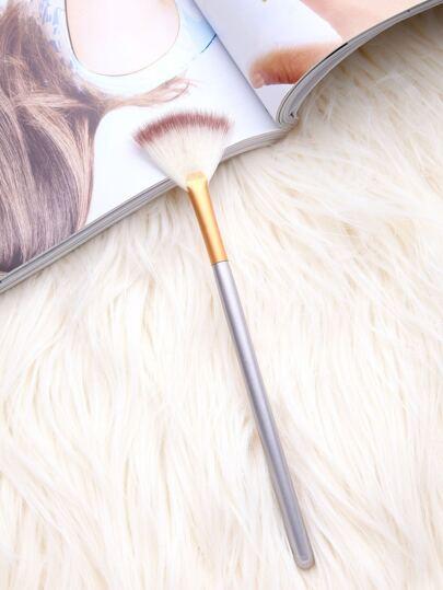 Sector Shaped Flat Head Makeup Brush