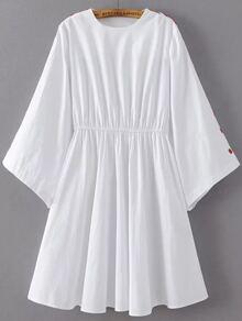 Robe à ligne A lâche avec boutons sur manches -blanc