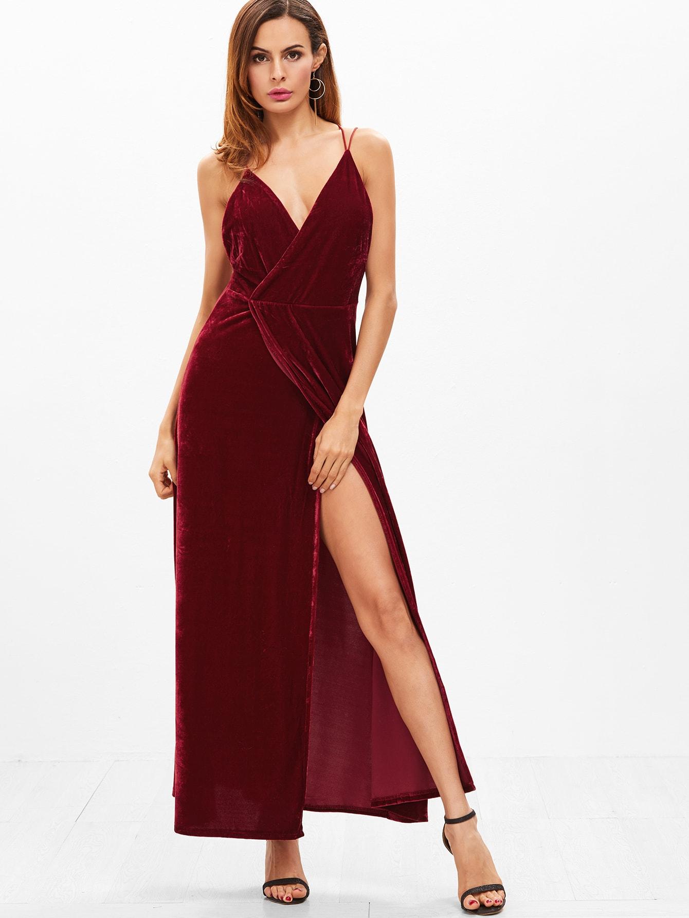 robe bretelles en velours avec col v profond et dos nu. Black Bedroom Furniture Sets. Home Design Ideas