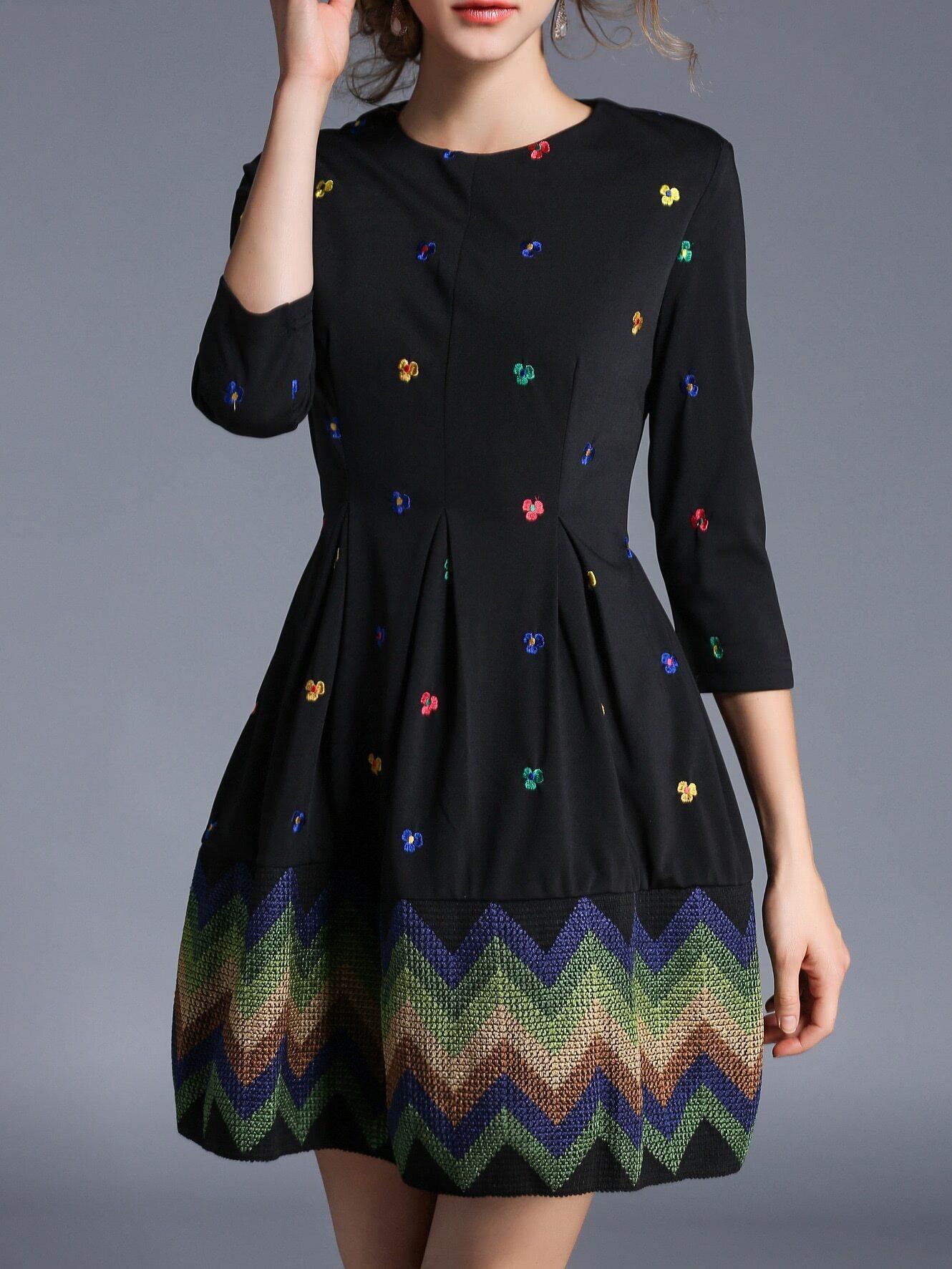 Фото Black Flowers Embroidered Shift Dress. Купить с доставкой