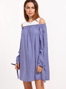 Vestido de rayas con abertura de manga con hombro con cordón - azul blanco