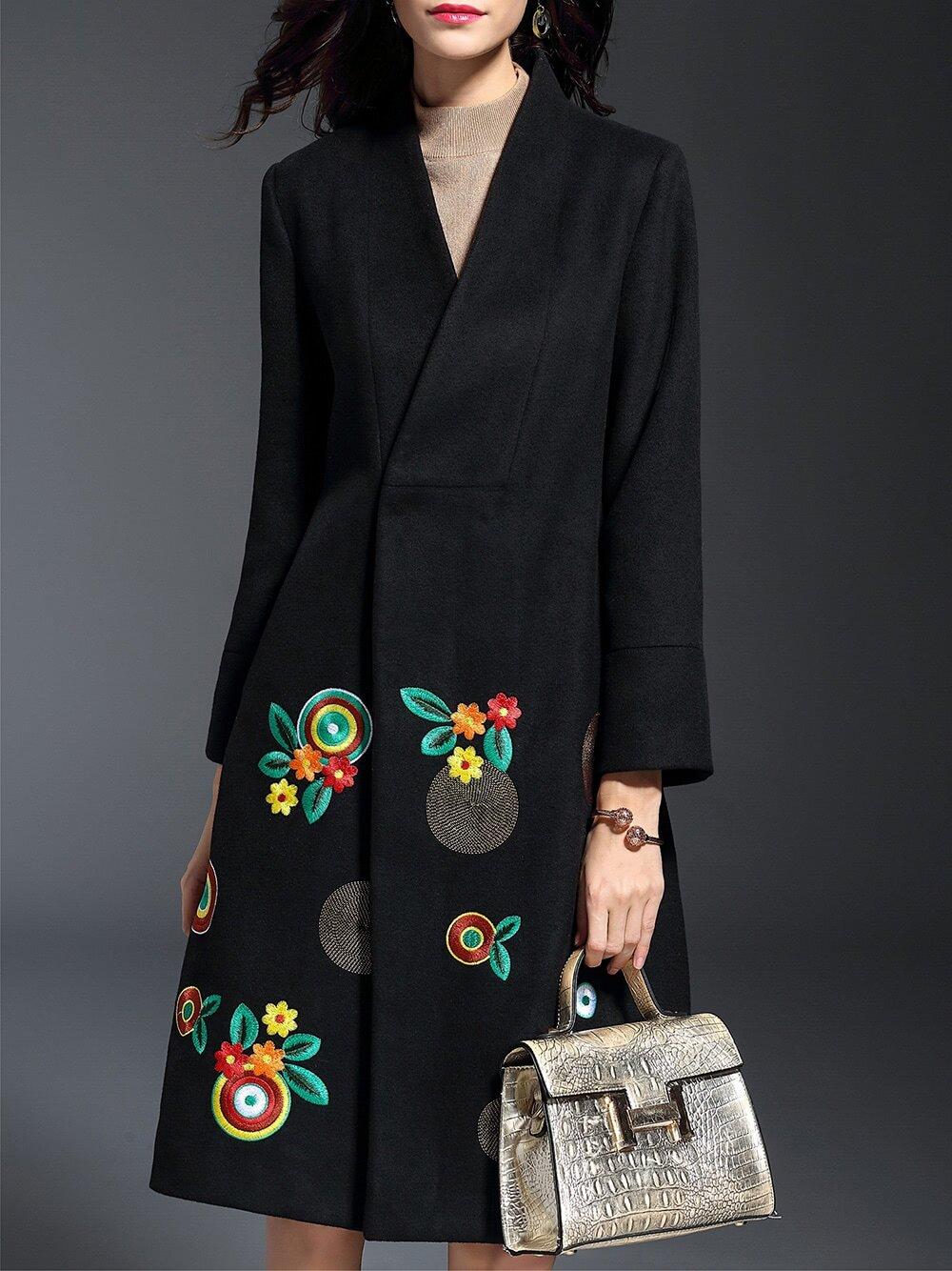 Фото Black V Neck Flowers Embroidered Coat. Купить с доставкой