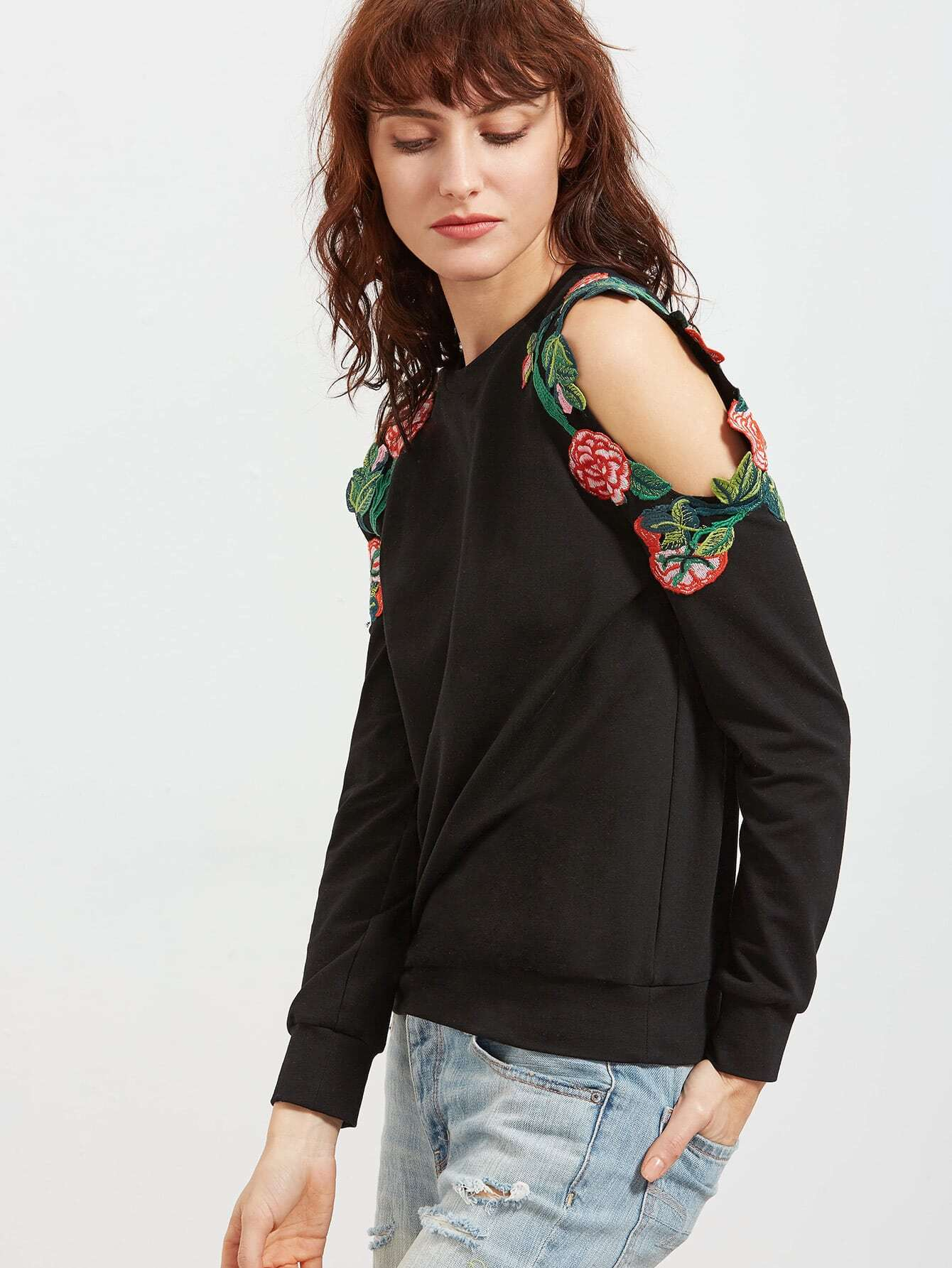 Фото Embroidered Flower Applique Open Shoulder Sweatshirt. Купить с доставкой
