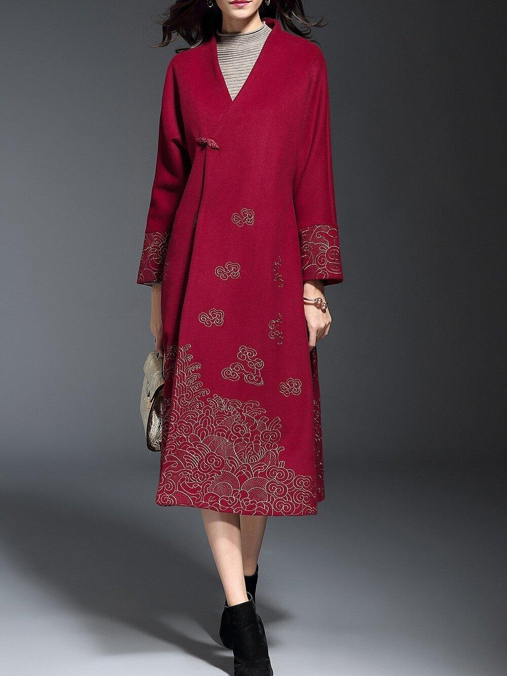 Пальто с вышивкой (60 фото модное 2018, с золотой вышивкой, с вышивкой) 99