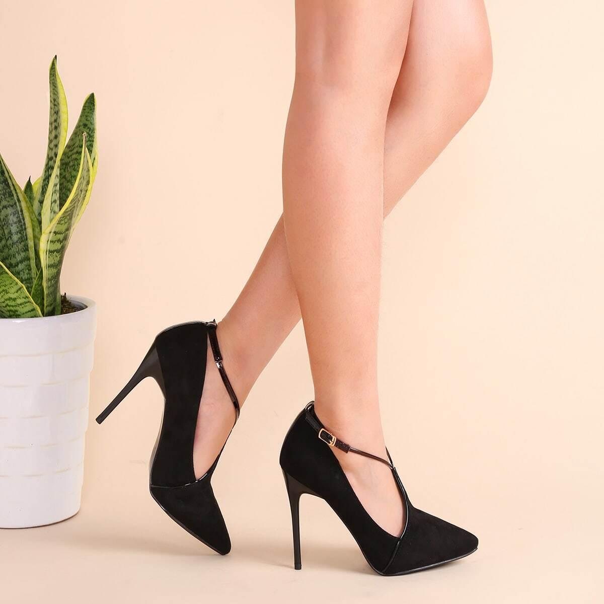 Чёрные замшевые остроносые туфли на шпильках