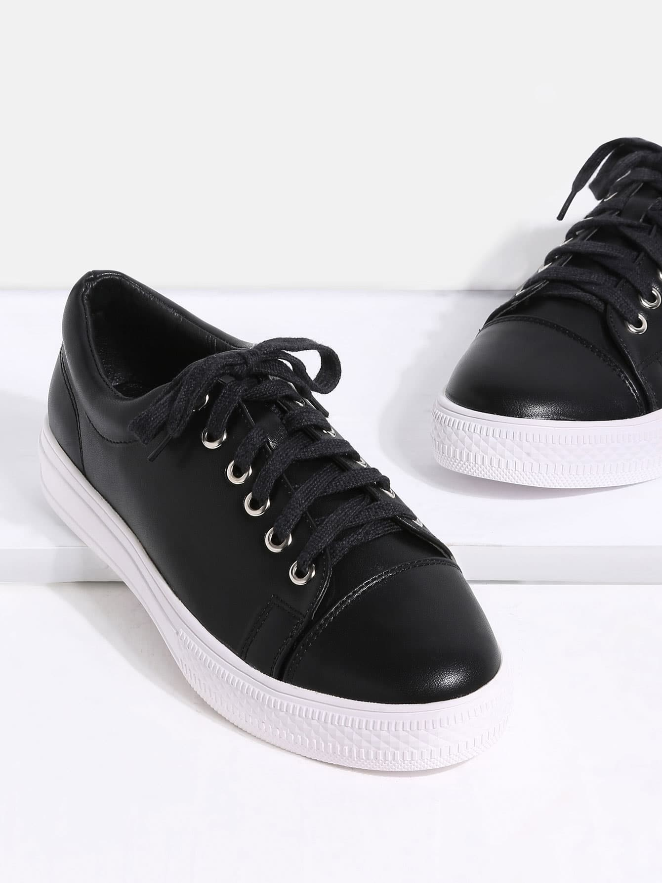 Image of Black Round Toe Lace Up Sneakers