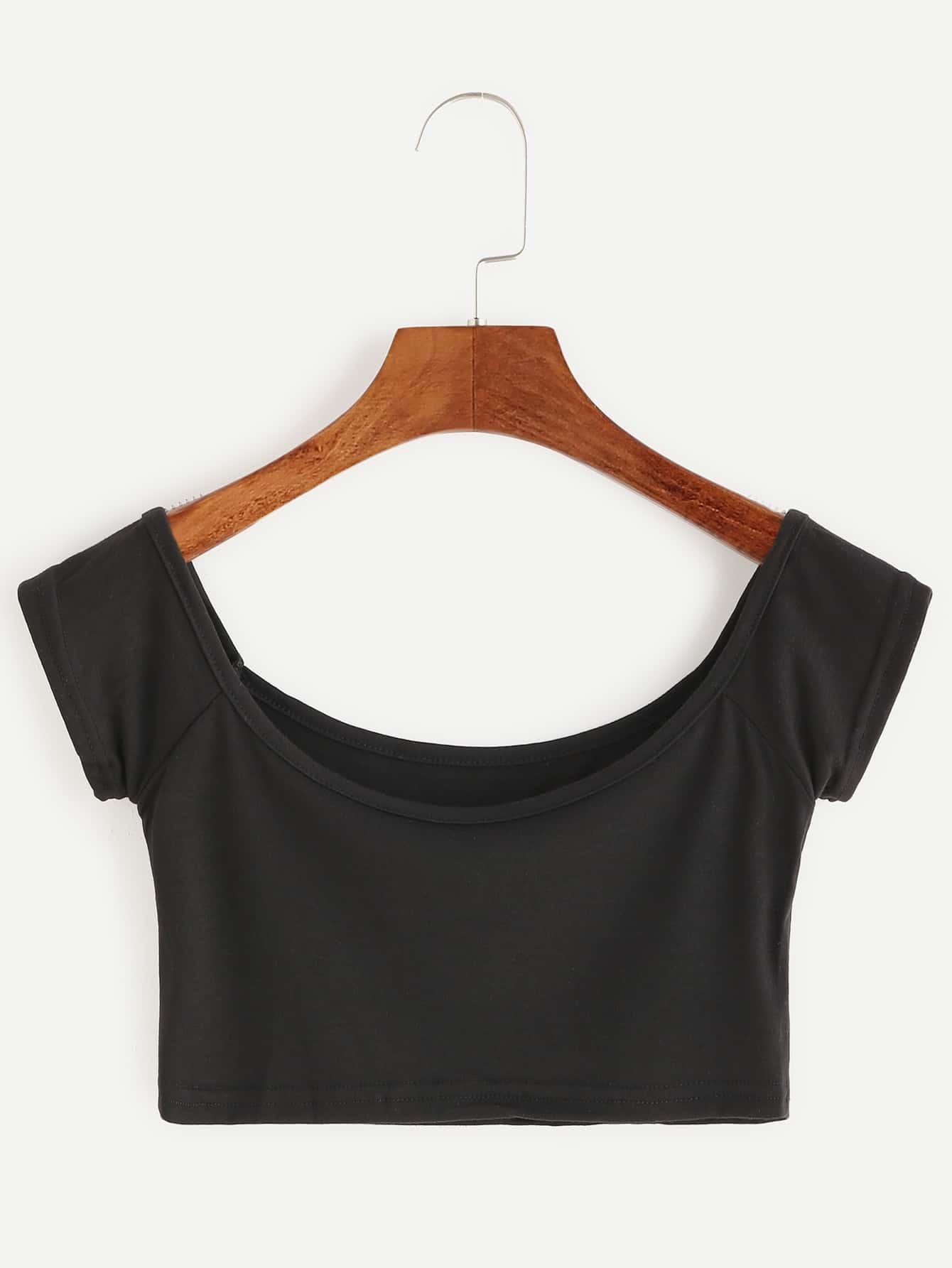 Black Boat Neck Crop T-ShirtBlack Boat Neck Crop T-Shirt<br><br>color: Black<br>size: one-size