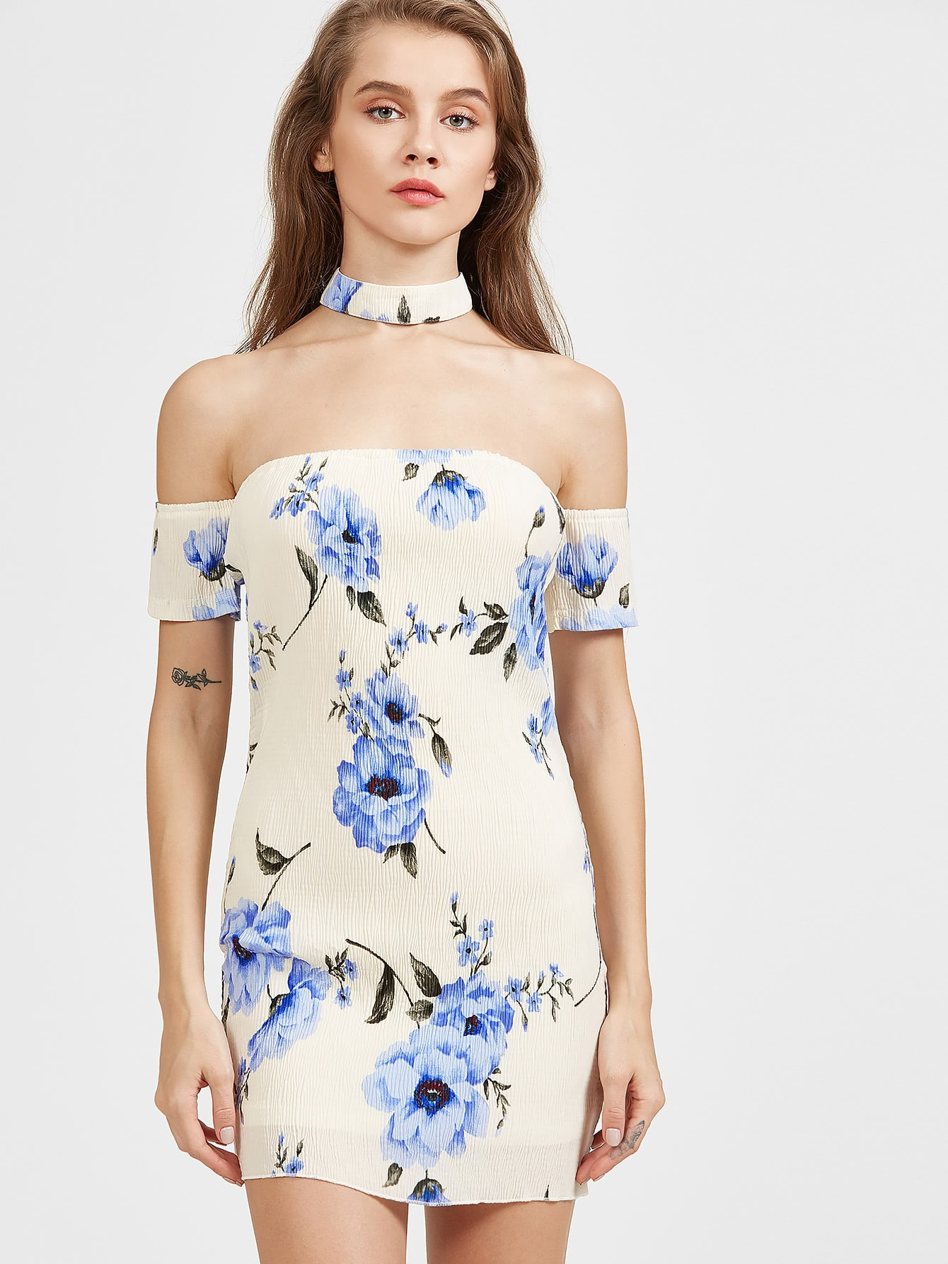 Фото Blue and White Off The Shoulder Floral Dress. Купить с доставкой