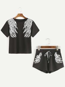Camiseta con estampado de alas y pantalones cortos - negro