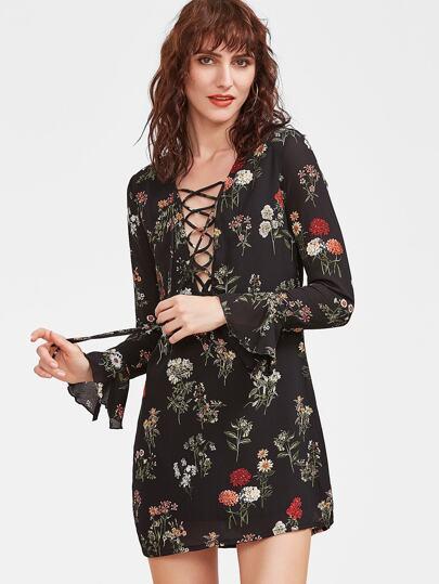 Чёрное модное платье со шнуровкой и цветочным принтом