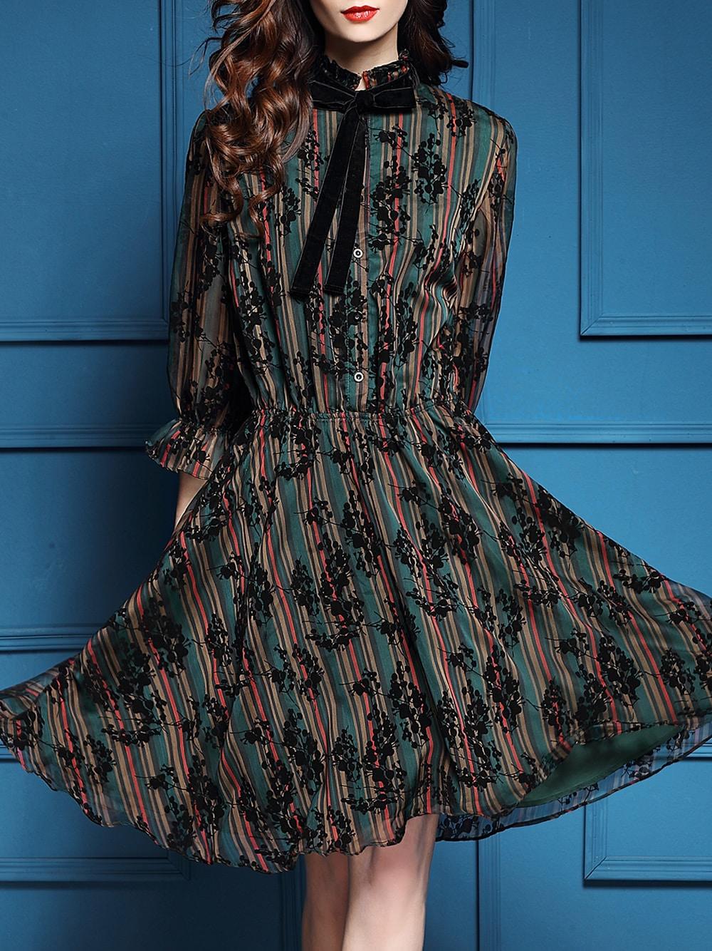 Фото Green Bowtie Elastic-Waist Floral Dress. Купить с доставкой
