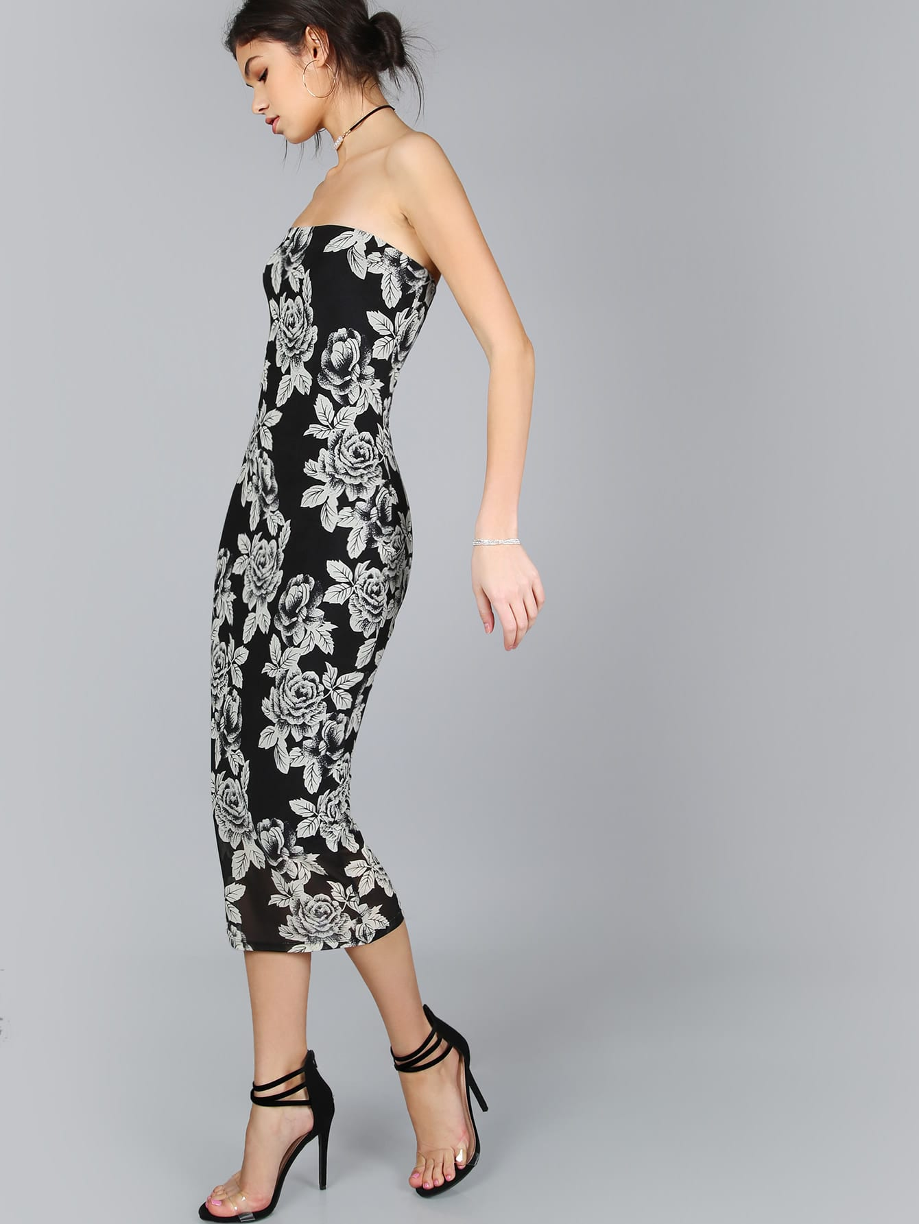http://it.shein.com/Black-Flower-Print-Bandeau-Midi-Dress-p-340986-cat-1727.html