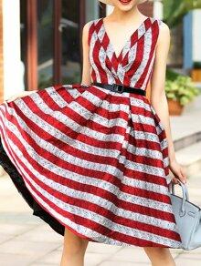 Vestido con cuello en V de rayas línea A - rojo