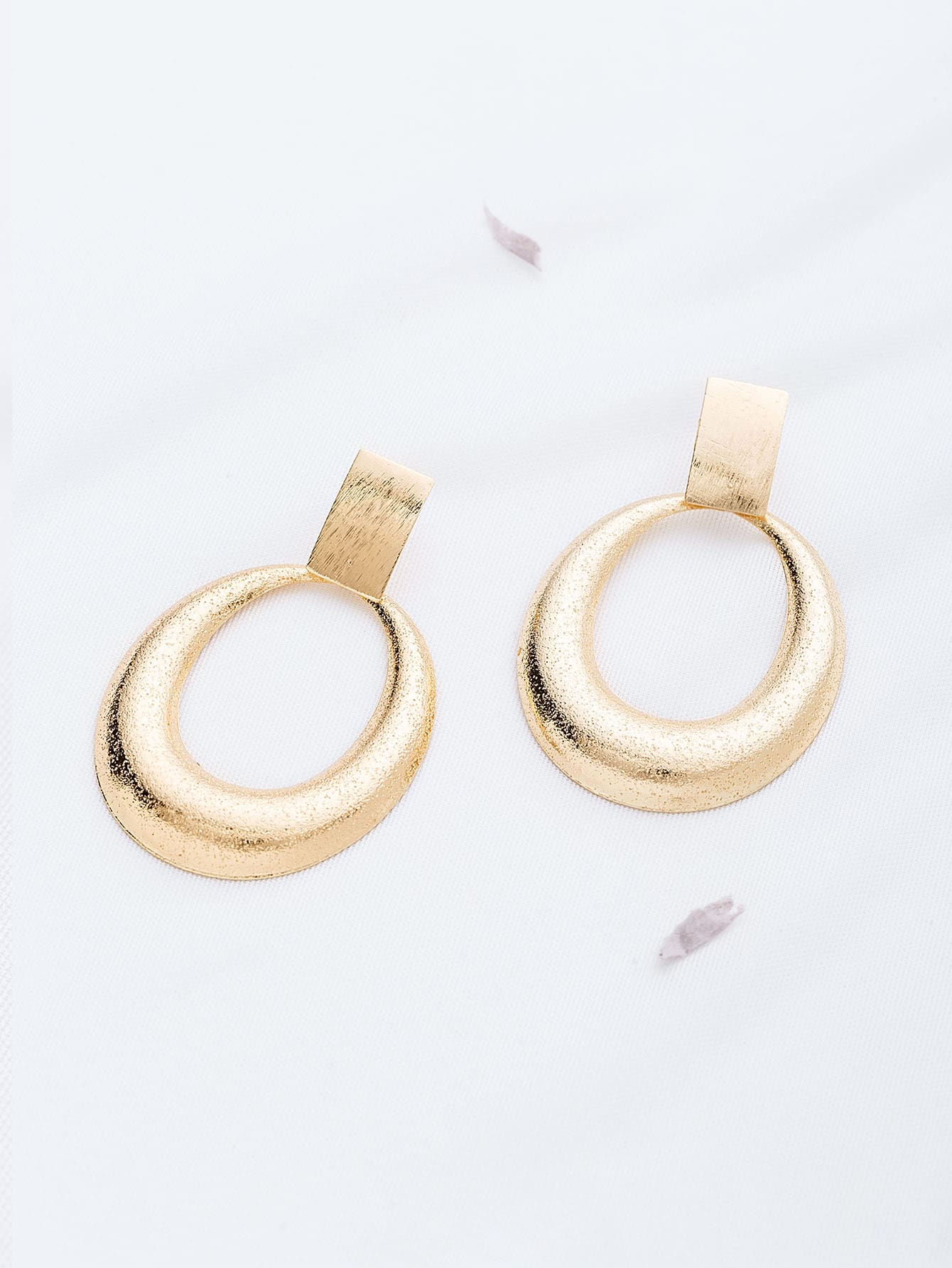 Фото Gold Hollow Out Stud Earrings. Купить с доставкой