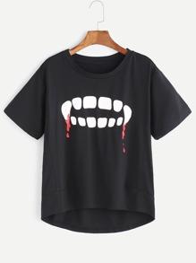 Schwarzes Graffiti-Druck-Dip-Hem T-Shirt