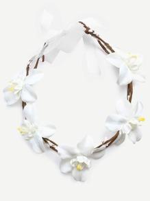Diadema con adorno flor y lazo - blanco
