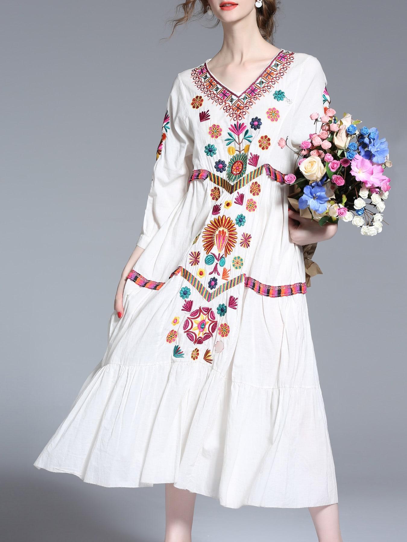 Фото White V Neck Tribal Embroidered Shift Dress. Купить с доставкой