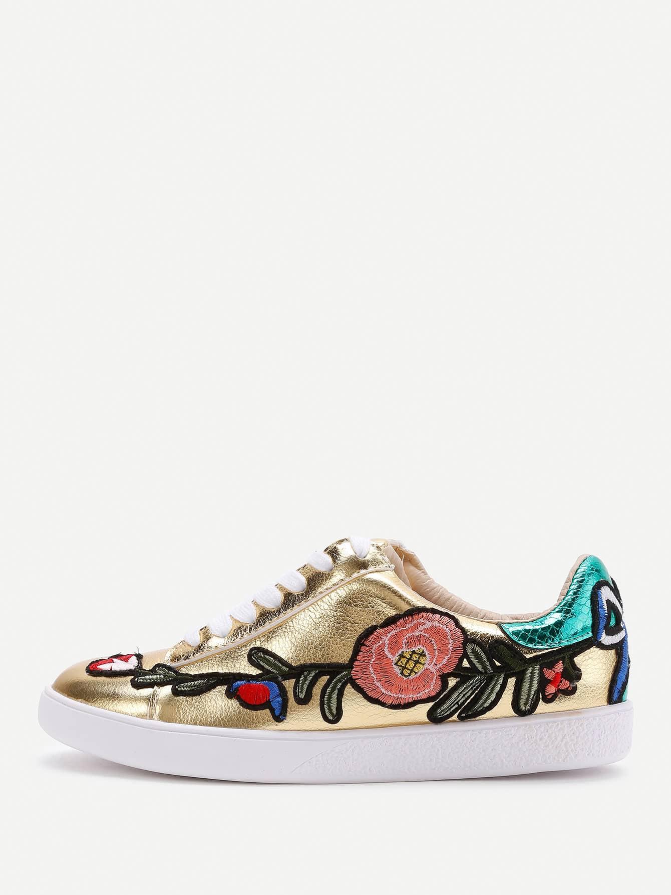 Фото Embroidery Design Lace Up Sneakers. Купить с доставкой