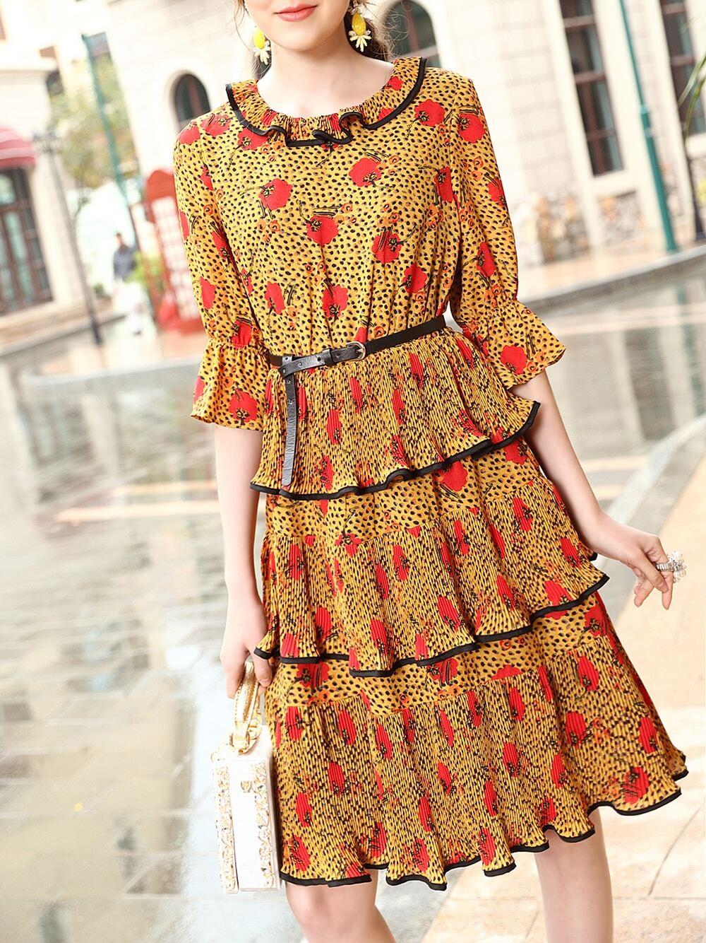Фото Yellow Bell Sleeve Print Pleated Layered Dress. Купить с доставкой