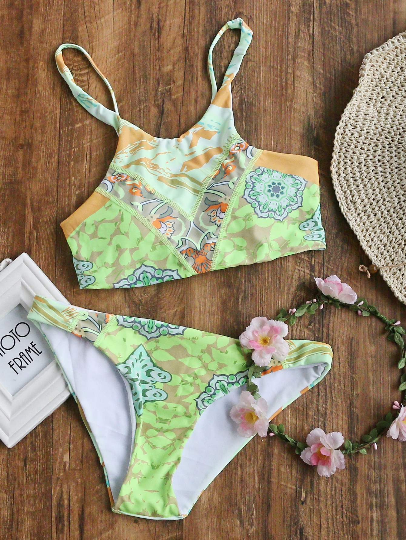 Фото Light Green Printed Cross Back Bikini Set. Купить с доставкой