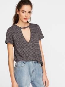 Camiseta de rayas con cuello en V con abertura - gris
