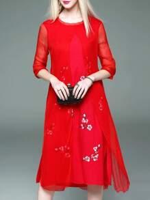 Vestido fino recto bordado de flores-rojo
