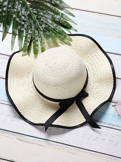 Sombrero de paja con ala ancha con diseño de cordón de lazo - blanco