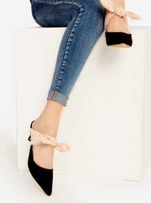 Black Point Toe Contraste Bow Tie Heeled Mules