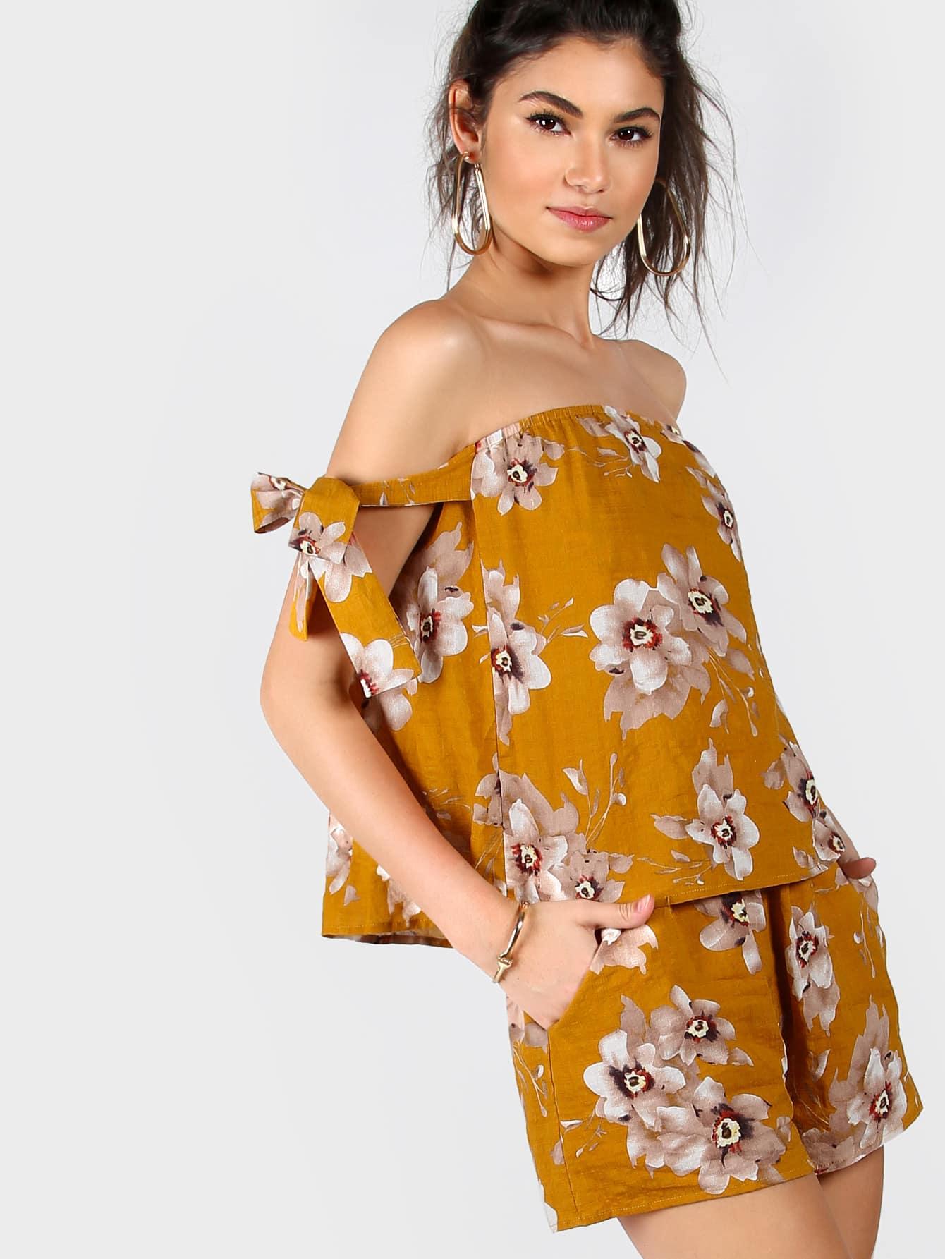 Фото Floral Tie Sleeve Bardot Top And Shorts Co-Ord. Купить с доставкой