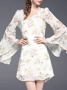Vestido escote V estampado de flor de manga campanuda-blanco