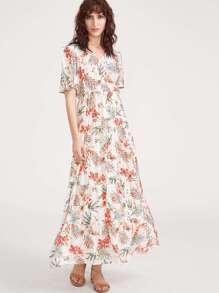 Avec robe imprimée tropical avec des ouvertures manches volantées - blanc