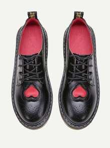 Scarpe con laccetti ,con modello di cuore - nero
