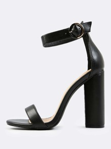 Classic Ankle Strap Triangle Heels BLACK
